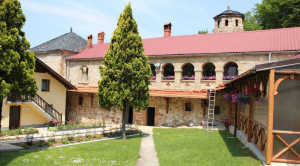 Manastir-Svete-Trojice (1)